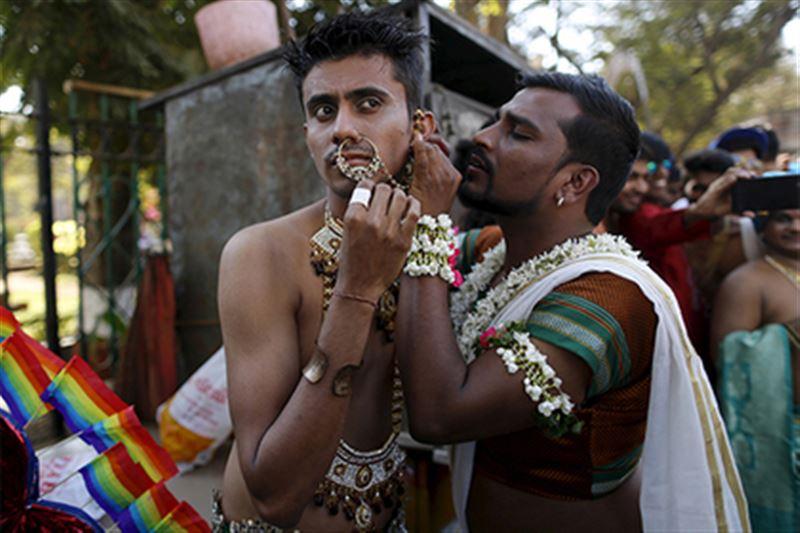Верховный суд Индии разрешил гомосексуальные отношения