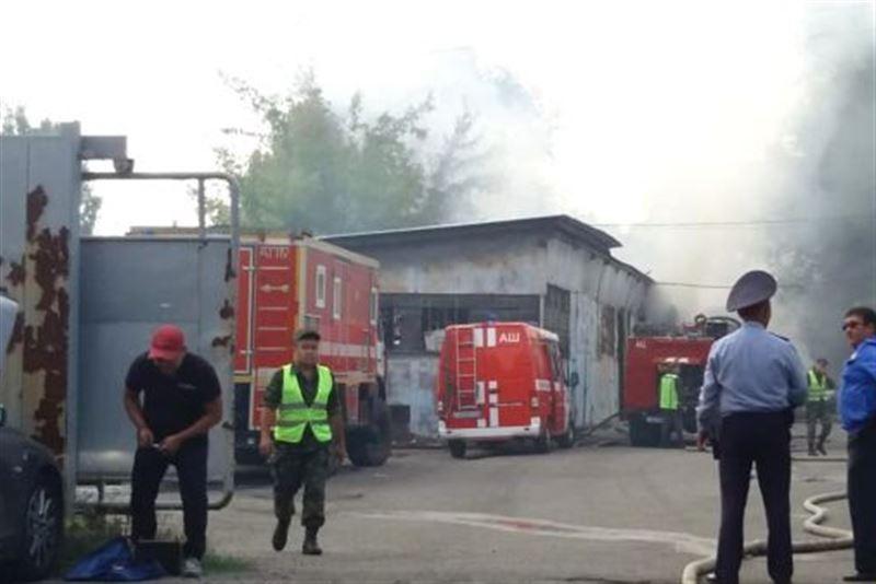 В алматинском цеху вспыхнул пожар