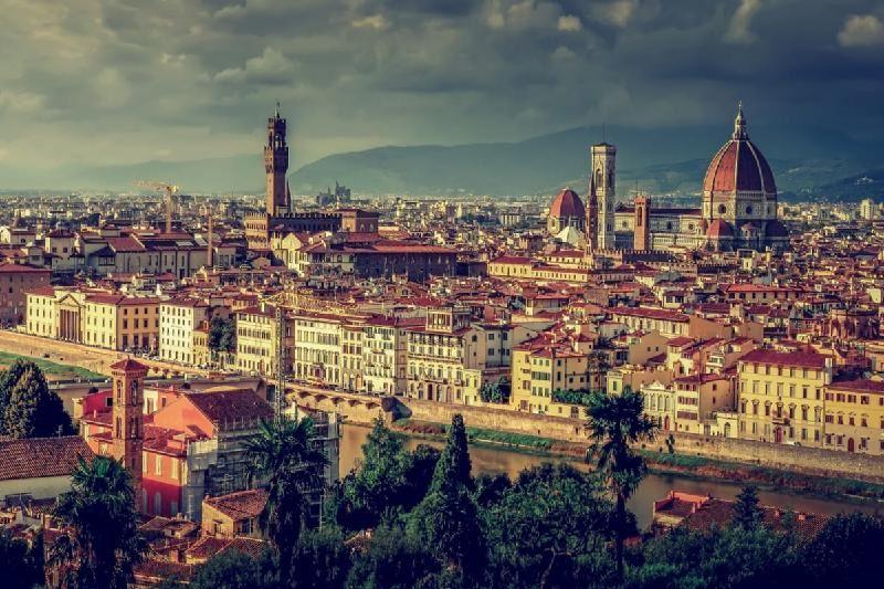 Флоренция билігі қаланың тарихи орталығында тамақ жеуге тыйым салмақ