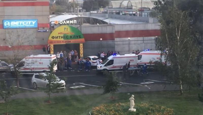 Автомобиль совершил наезд на группу пешеходов в Москве