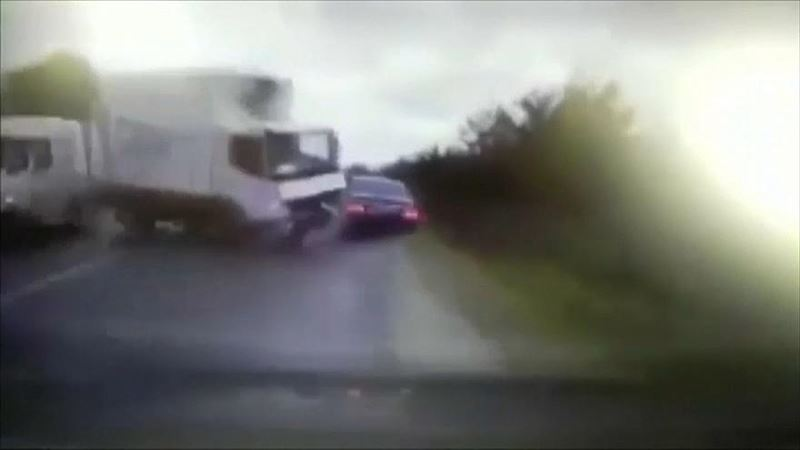 Страшное ДТП с машиной президента Молдавии попало на видео