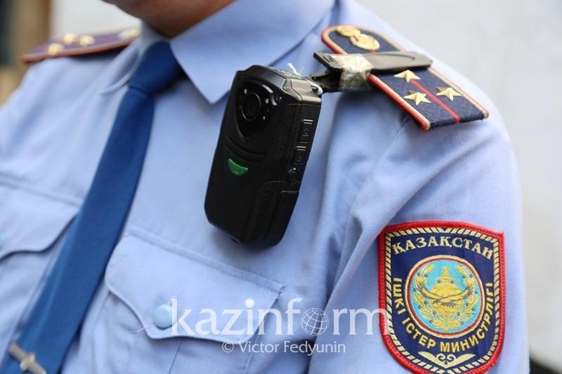 Полицияға пышақ ала жүгірген ақтөбеліктің кім екені анықталды