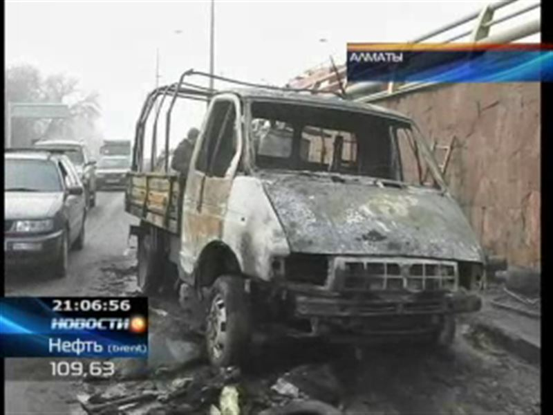 Алматинский водитель едва не сгорел заживо