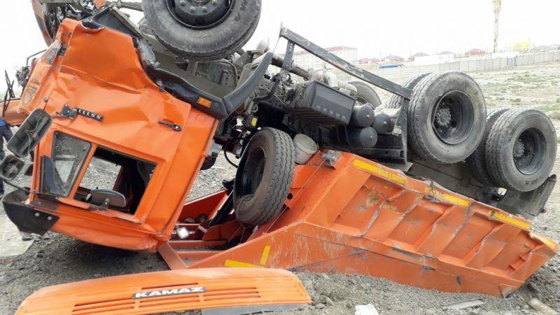 Столкновение КамАЗа с поездом произошло в Атырауской области
