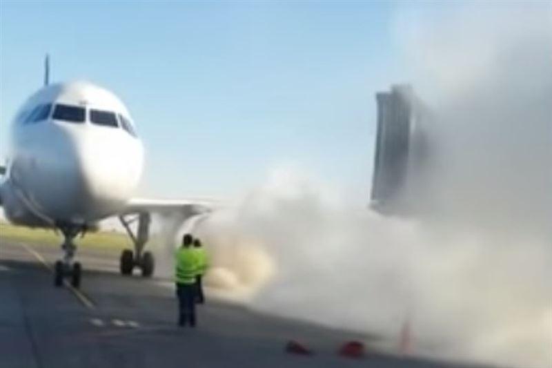 Двигатель самолета Air Astana загорелся после посадки в аэропорту Астаны