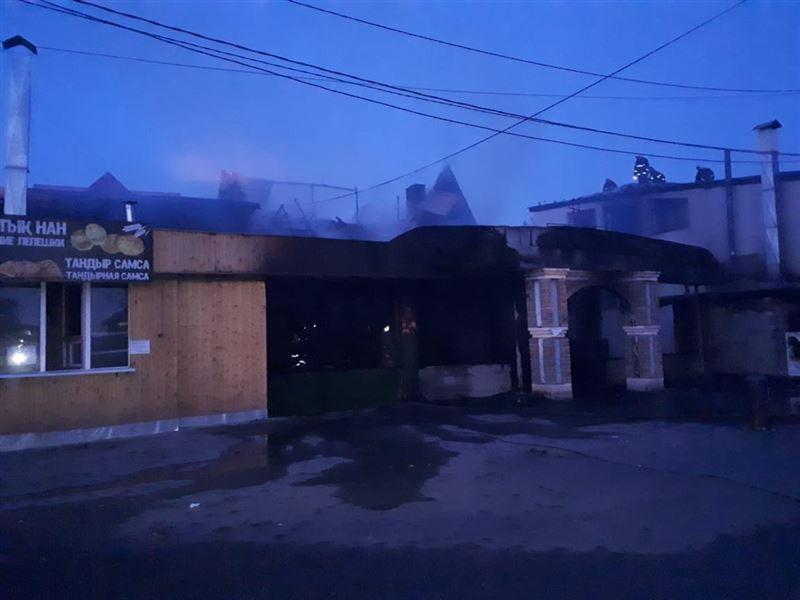 Алматинское кафе охватило огнем