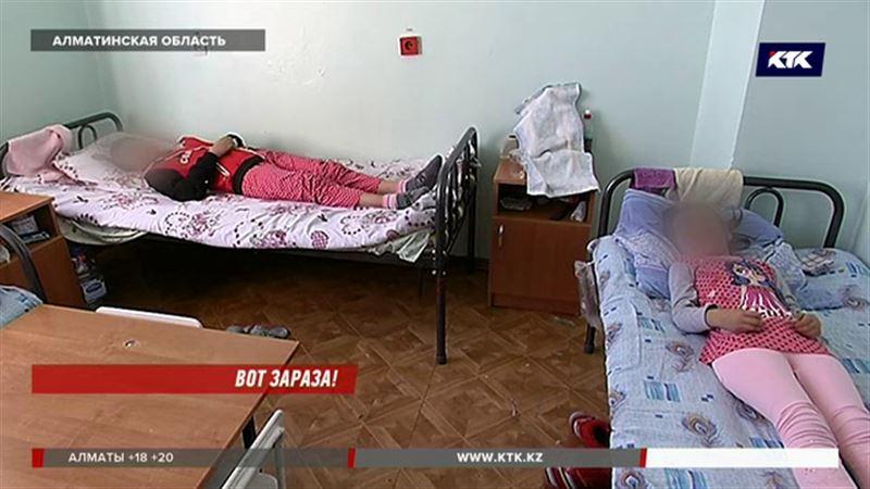 Три школьницы попали в больницу с менингитом в Алматинской области