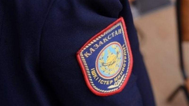Раненный коллегой в Алматы полицейский скончался