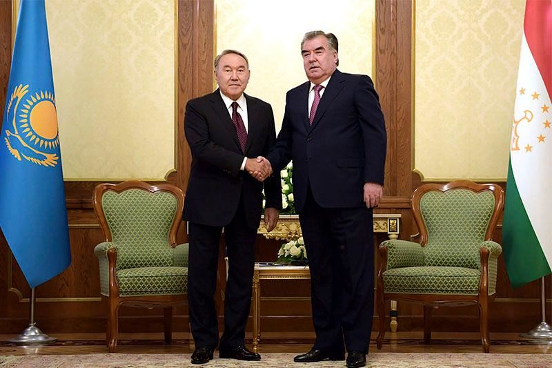 ФОТО: Елбасы Тәжікстан президентімен кездесті