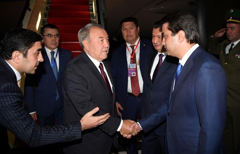 Назарбаев и другие главы государств СНГ начали заседание в Душанбе