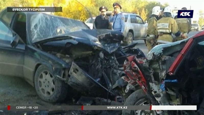 Қарағандыда жантүршігерлік жол апатынан 2 адам қаза тапты