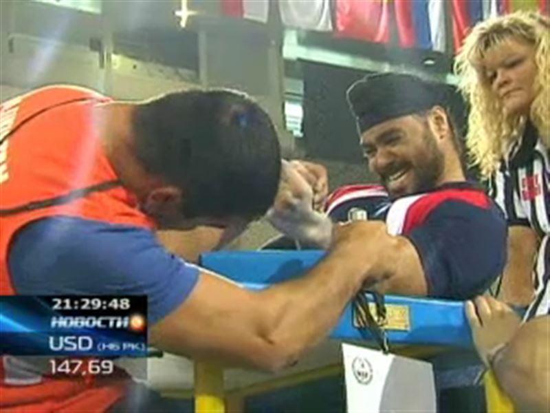 В Алматы стартовал 33-й чемпионат мира по армрестлингу