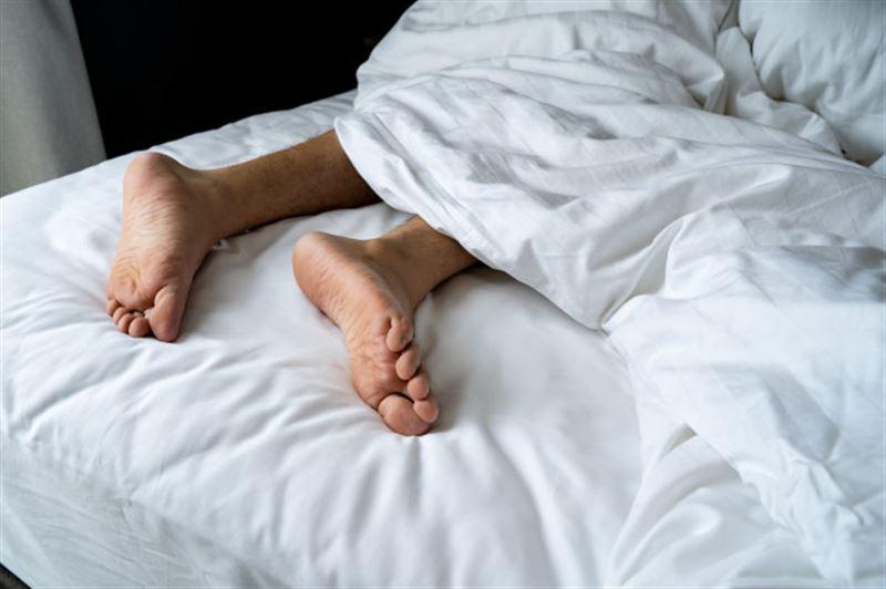 ФОТО: Жасанды мүше жасатқан ер адам алғашқы төсек қатынасында комаға түсіп қалды