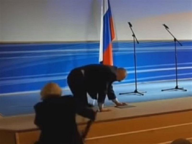 Жириновский упал во время инаугурации губернатора из ЛДПР