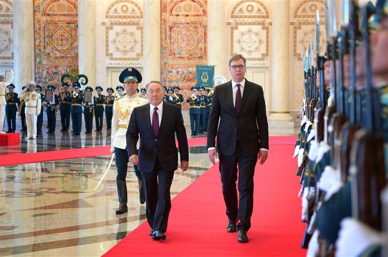 Назарбаев наградил президента Сербии орденом дружбы