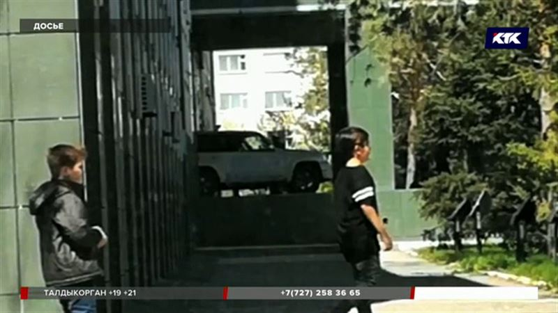 Актюбинец, протаранивший областной акимат, выплатит штраф