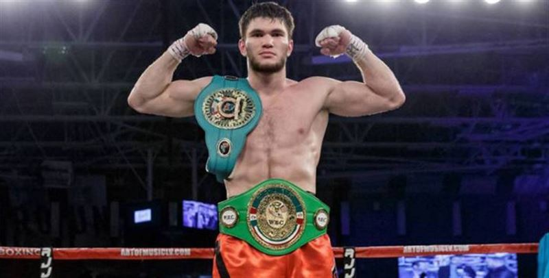 Казахстанский боксер Али Ахмедов нокаутировал соперника в первом раунде