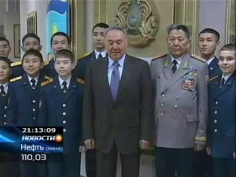 Нурсултану Назарбаеву показали армию будущего