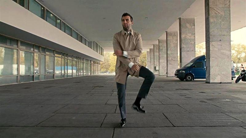 Танцуют все: соцсети захватил новый флешмоб Skibidi Challenge