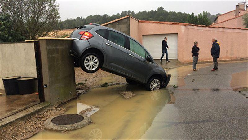 13 человек стали жертвами наводнения во Франции
