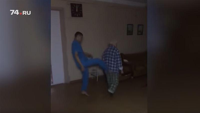 Издевательства санитаров над пациентом психобольницы попали на видео