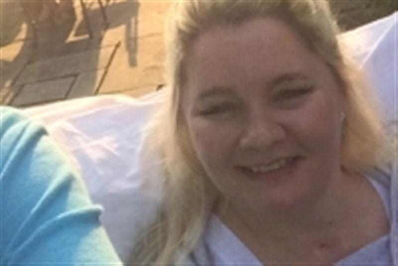 Женщина упала с кровати во время секса и стала инвалидом