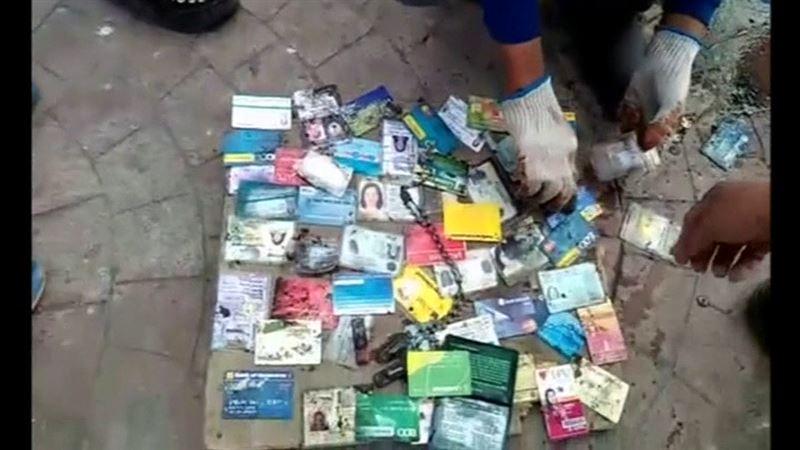 Кәріз құдығынан мыңдаған әмиян, жеке құжат пен банк карточкалары шықты