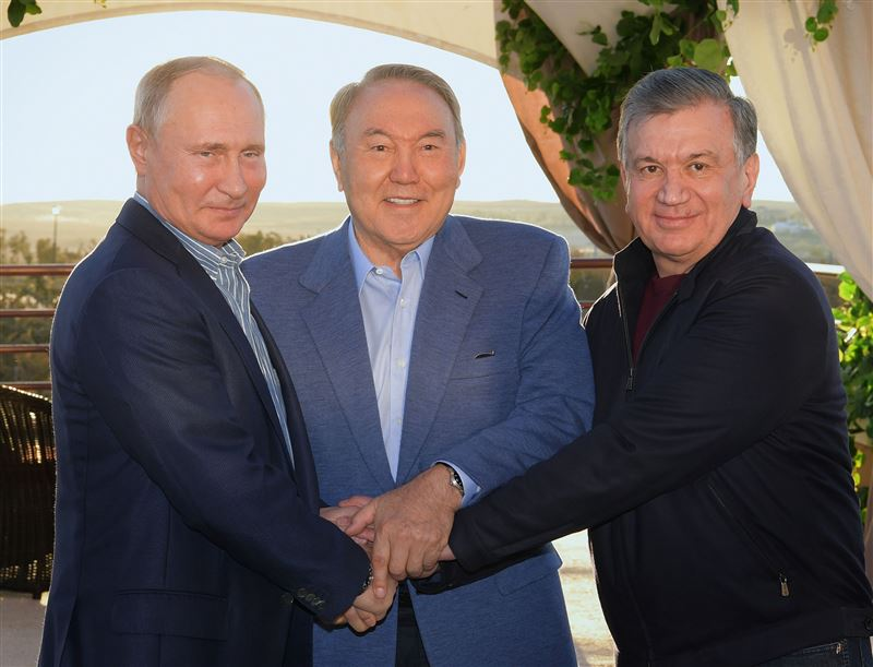 ФОТО: Назарбаев, Мирзиёев, Путин Сарыағашта бас қосты
