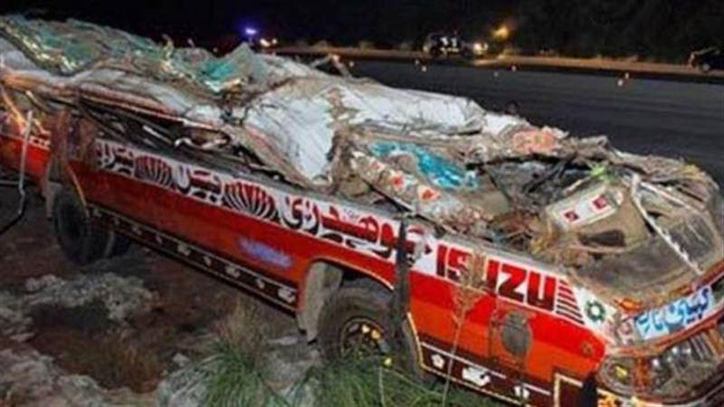 СМИ сообщили о 19 погибших при столкновении автобусов в Пакистане
