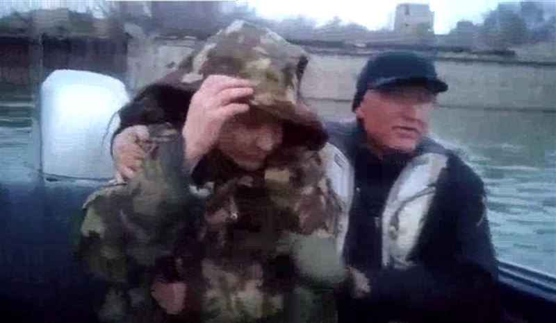 В Павлодаре рыбаки спасли мужчину, прыгнувшего с моста в Иртыш