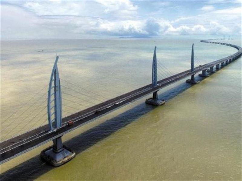 Самый длинный морской мост открыли в Китае