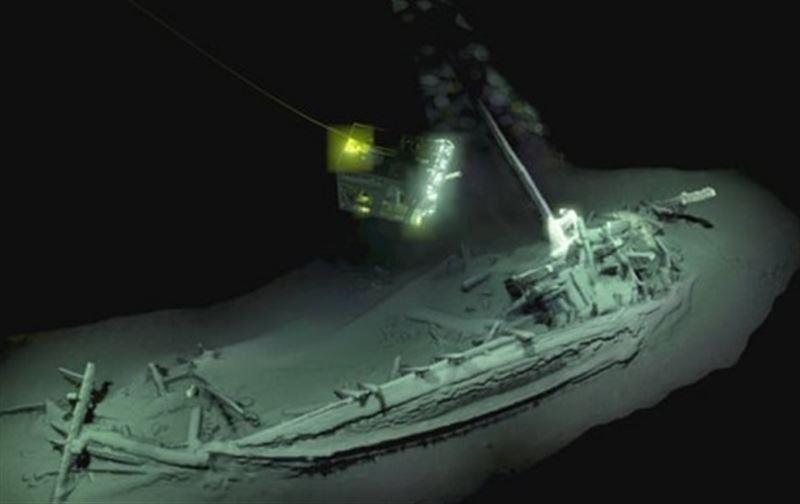 Археологи нашли древнейший затонувший корабль на дне Черного моря