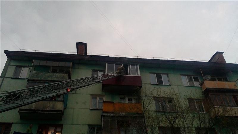 Семейде баласы анасын балконға қамап тастаған