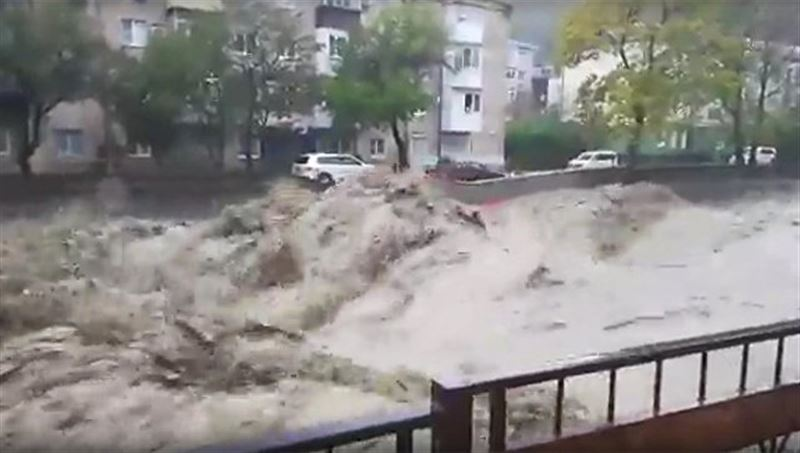 Видео страшного наводнения в Туапсе появилось в Сети
