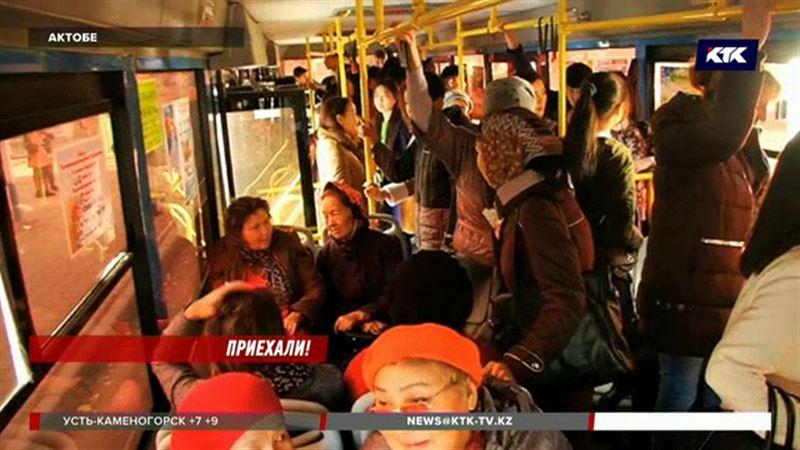 В Актобе стало дороже ездить на автобусе
