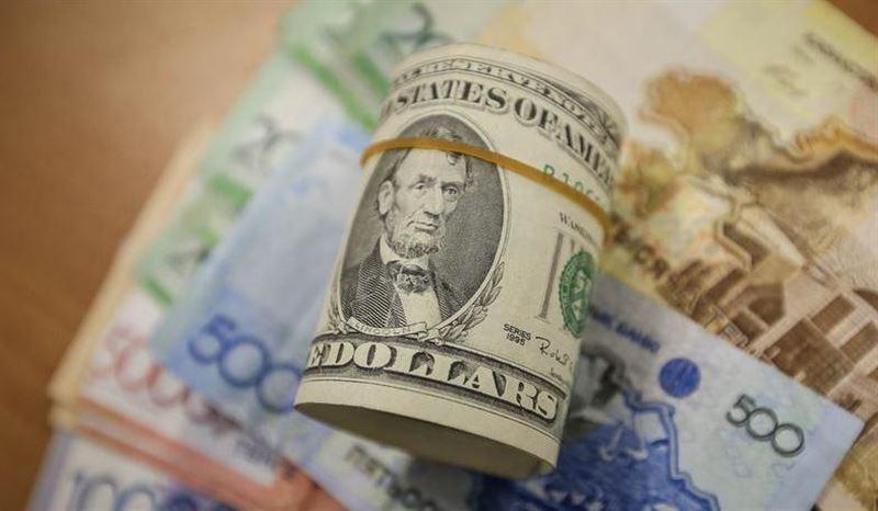 За торговую неделю доллар подорожал на три тенге