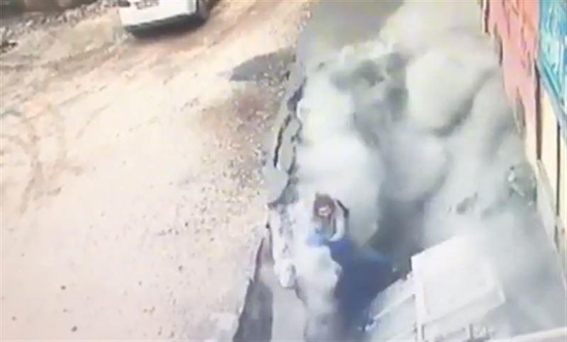 В Турции асфальт рухнул прямо под ногами людей