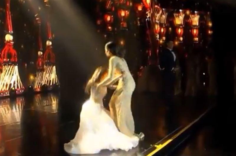 Финалистка конкурса красоты упала в обморок прямо на сцене