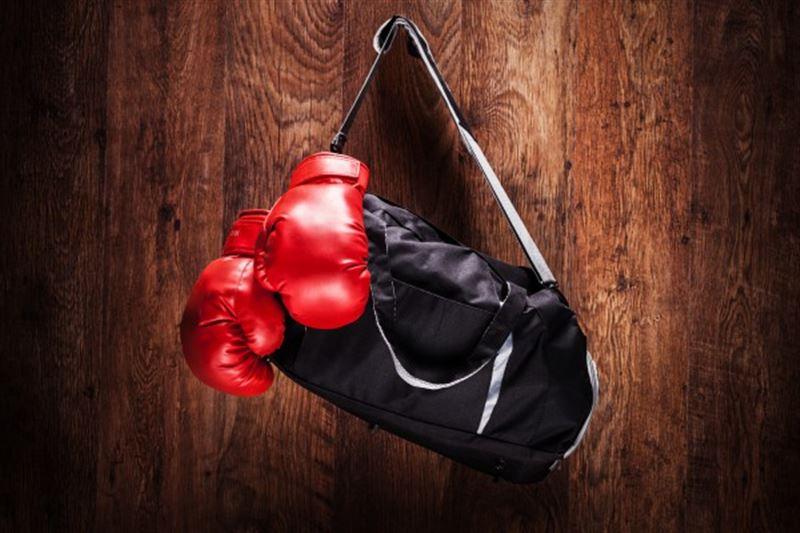 Дебют казахстанского боксера на профи-ринге закончился победой