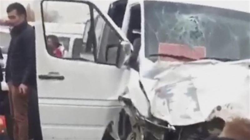 Более 20 человек пострадали в ДТП на трассе Алматы - Бишкек