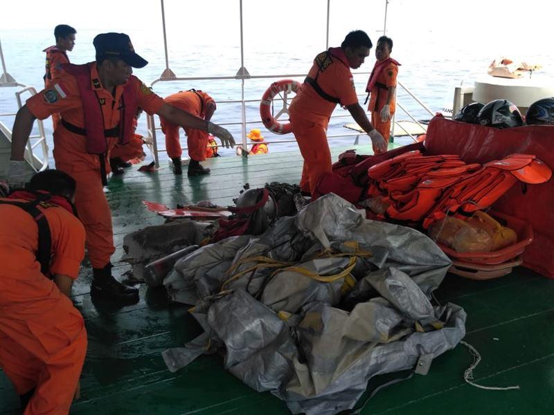 Индонезияда теңізге құлаған ұшақта қазақстандықтардың бар-жоғы анықталды