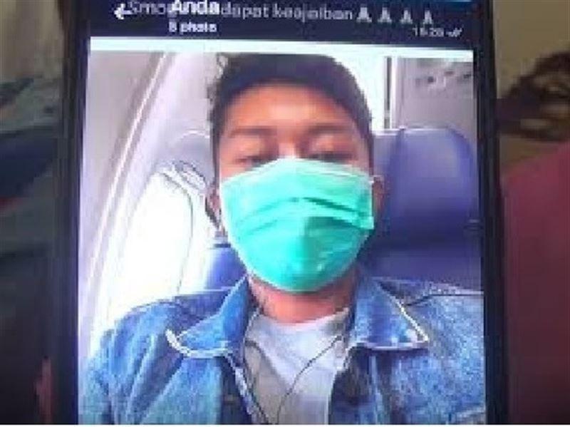 Пассажир рухнувшего в Индонезии самолета отправил жене селфи перед гибелью