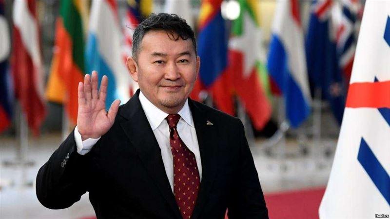 Моңғолия президенті аштық жариялайтынын мәлімдеді