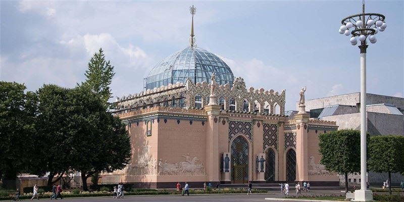 Восстановлен памятник Жамбылу Жабаеву в Москве