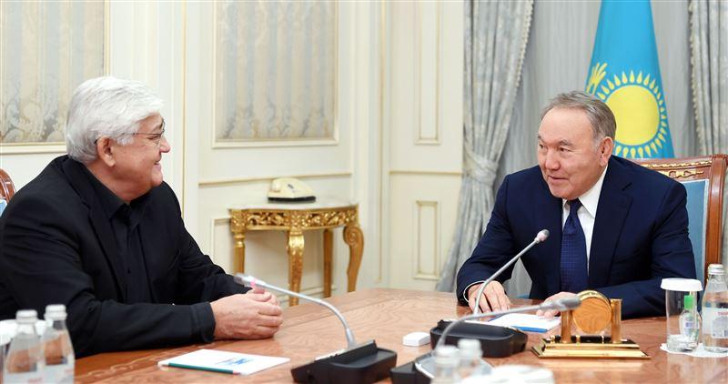 Глава государства встретился с народным артистом Алибеком Днишевым