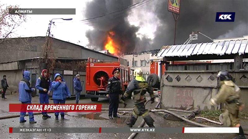 Алматинские торговцы в ужасе: сгорел товар на миллионы