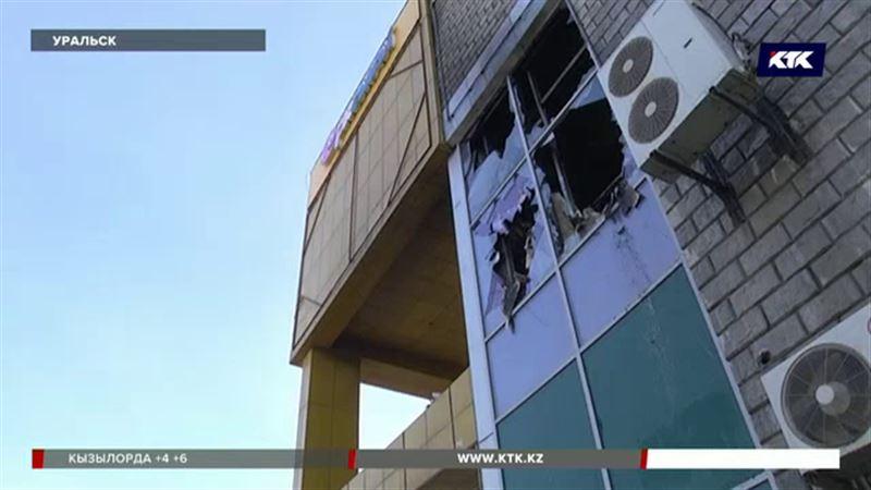 Во время монтажа системы пожаротушения загорелся торговый центр