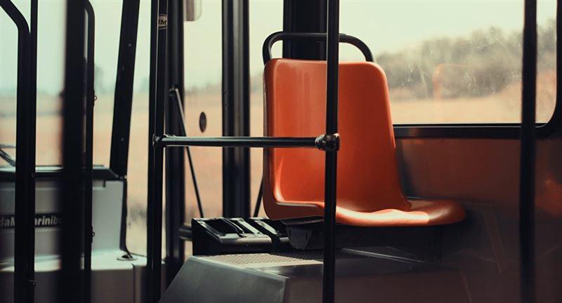 ВИДЕО: Автобус ішіндегі төбелестен 13 адам мерт болды