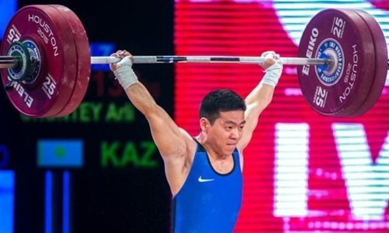 Штангист из Казахстана стал серебряным призером чемпионата мира