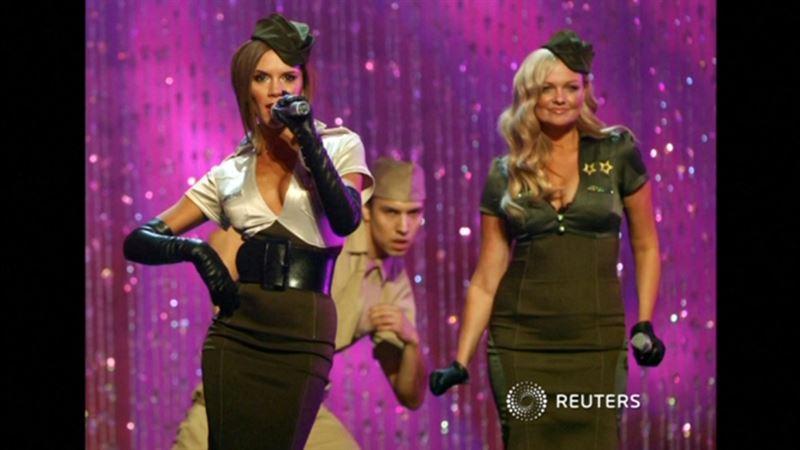 ФОТО: Виктория Бекхэм Spice Girls тобына қосылудан бас тартты
